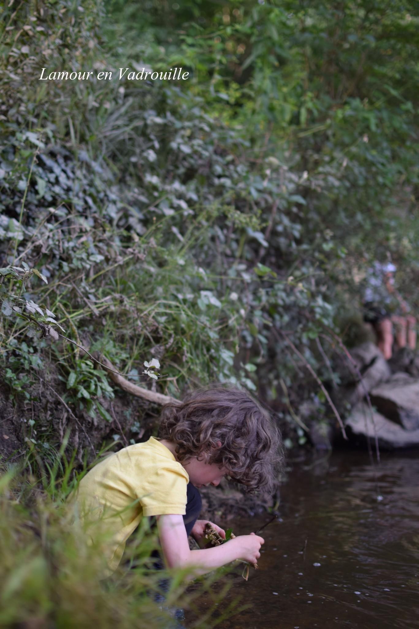 Laisser les enfants explorer la nature